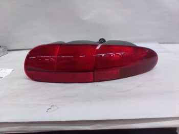 000; 1992 -1996 Dodge Viper RT/10 Right Tail Lamp - 04642102